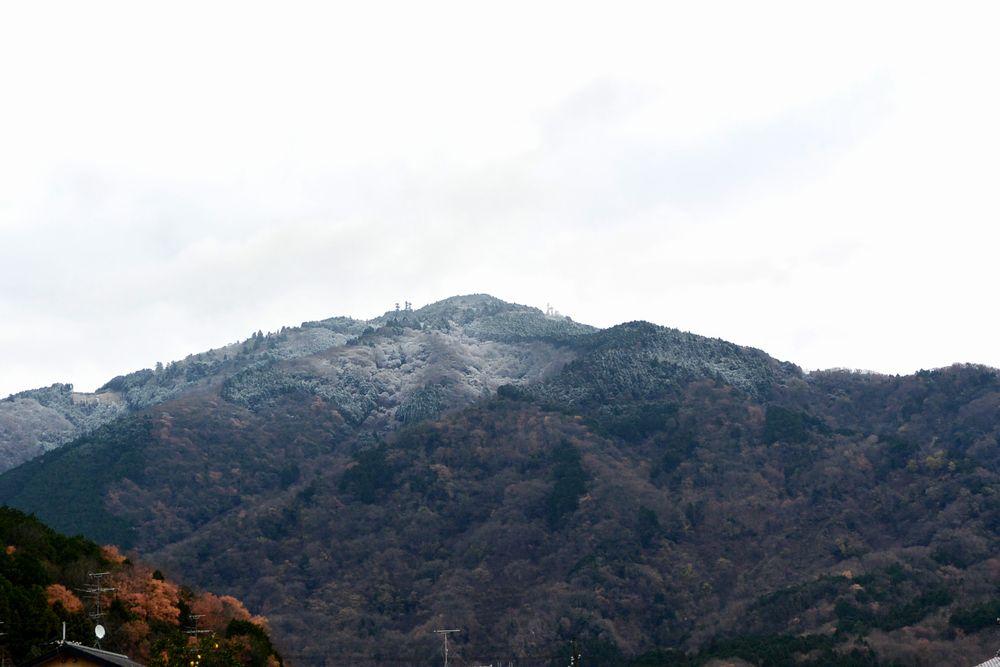 この冬初めての雪(2015.12.18 09:54)