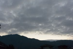 元日、比叡山に陽がのぼる(2017.01.01 07:03)